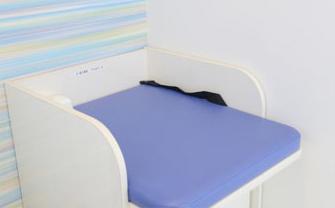 岡山県岡山市北区の歯医者 たんじフレンド歯科のベビーベッド